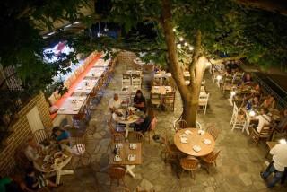 facilities hovolo apartments restaurant platania - 02