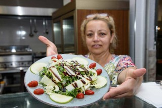 facilities hovolo apartments restaurant platania - 09