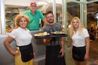 facilities hovolo apartments restaurant platania - 10
