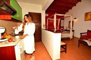 skopelos-honeymoon-apartment-13